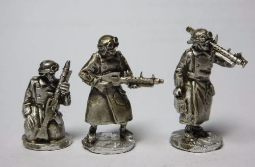 GMT02 MG34 LMG gunners on foot in rubberised motorcycle coats
