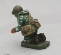 SCS17 Soviet in Camo AGS14 Automatic Grenade Launcher Gunner and GUN (not pictured)