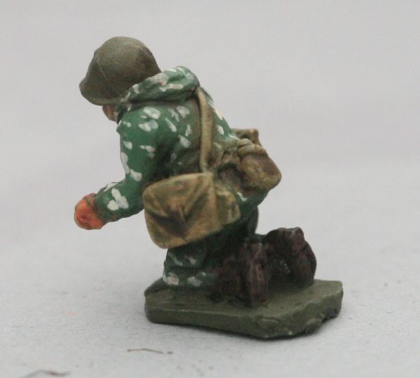 SCS17 Soviet in Camo AGS14 Automatic Grenade Launcher Gunner and GUN (not p