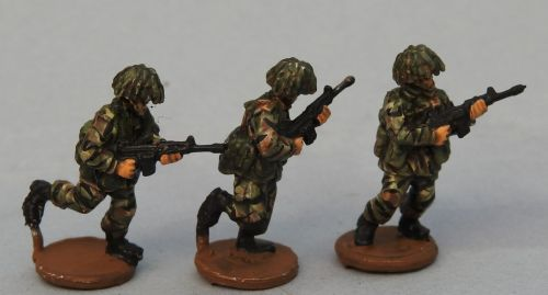 BAOR11 British SLR Riflemen rushing