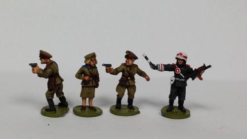 CWR10n Soviet HQ set B (MP, Female Warrant Officer, 2x Officers with pistol