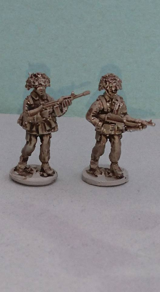 BAOR23 BAOR L7 (BREN) patrol armed with Bren and SLR