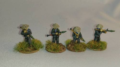 VC05 Viet Cong in straw hats with RPGs