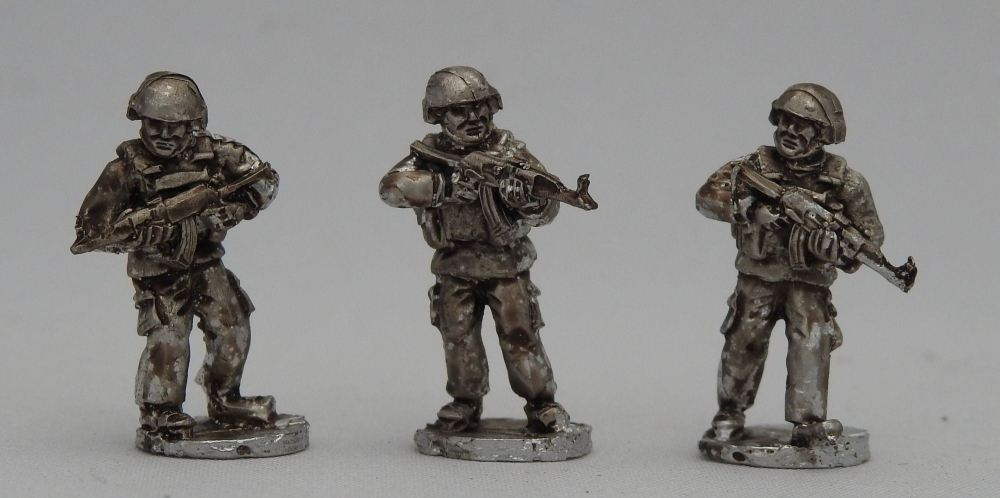 SYR03 Rifleman Advance poses