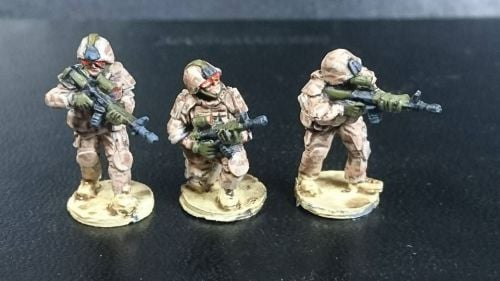 CAN02 Modern Canadians (or Danish) Riflemen C7-C8