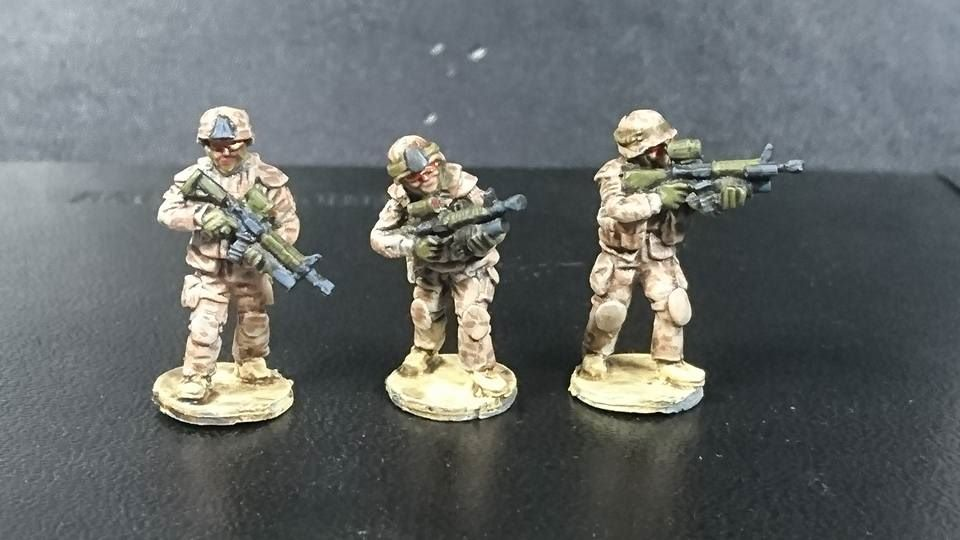 CAN03 Modern Canadians (or Danish) Grenadiers C7-C8+ Grenadelauncher