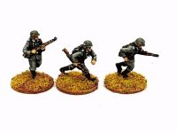 M36-05 German Infantry in M36 uniform and A frame K98 advancing set 2