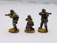 SSE02 Early SS Riflemen firing K98s in Type1 smocks no helmet covets