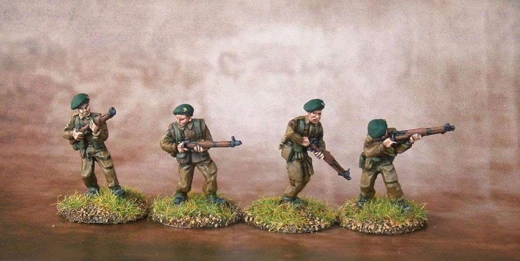 COM01 British Commandos in berets