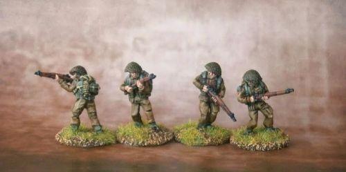 COM02 British Commandos in Helmets and netting