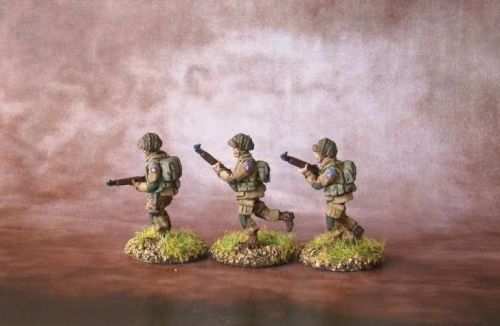 UPN01 US Paras Normandy M1 Garands advancing
