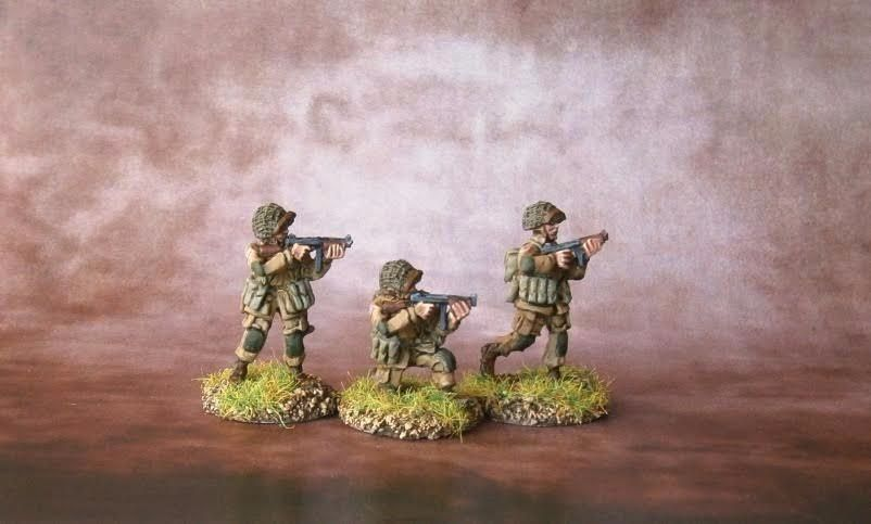 UPN04 US Paras Normandy Thompson SMG