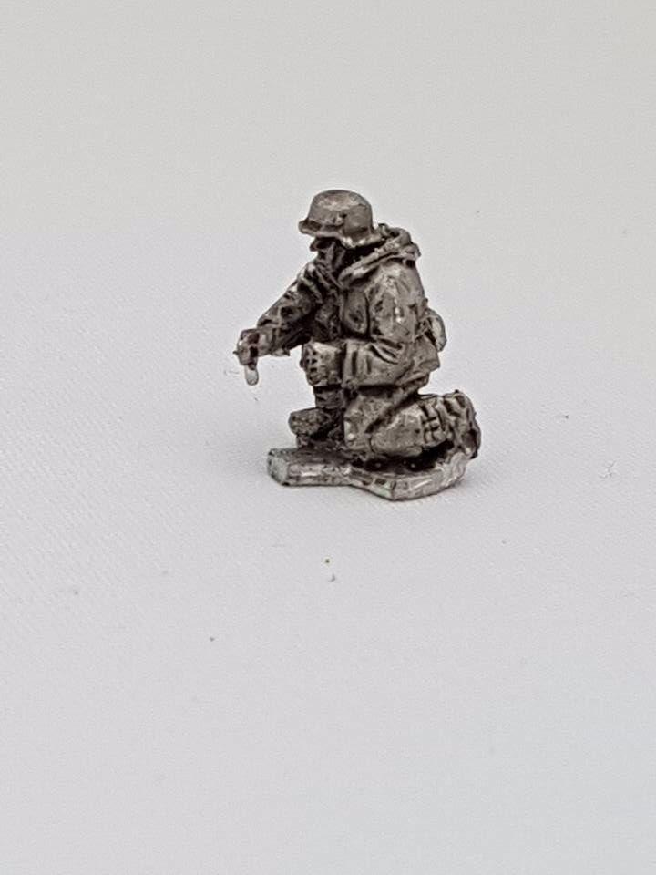 SSL17 Waffen SS late war gunner