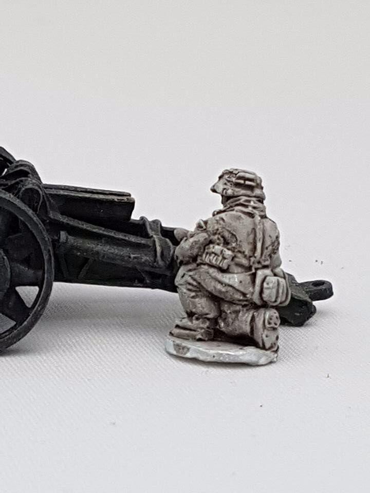 SSL19 Waffen SS late war gunner HE Howitzer