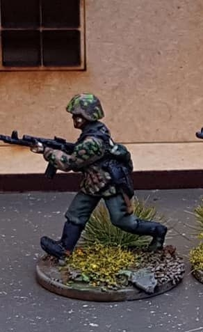 New SSL01b Waffen SS in early uniforms armed with Stg44 with type 1 helmet
