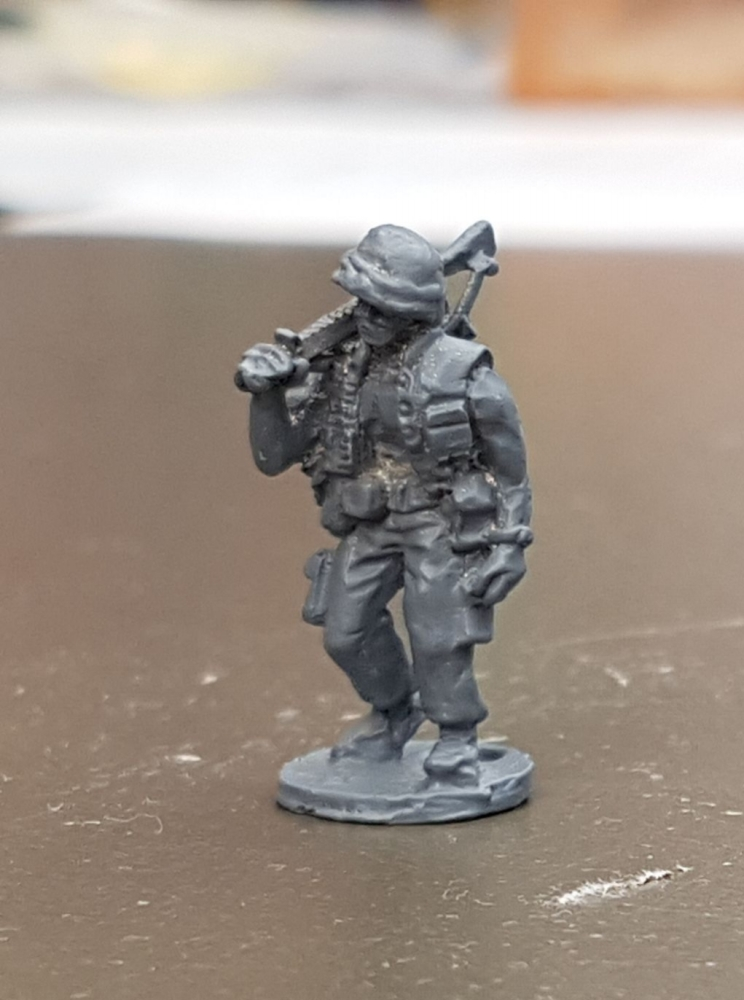 LTD27 Vietnam USMC Walking M16 on shoulder