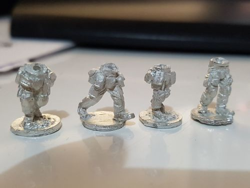 MOD04 Leg set 2 - Modern Army Advancing posed