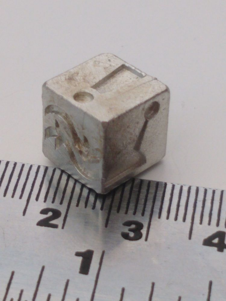 PA19 1x Pewter Dice to use with Gaslands or similar