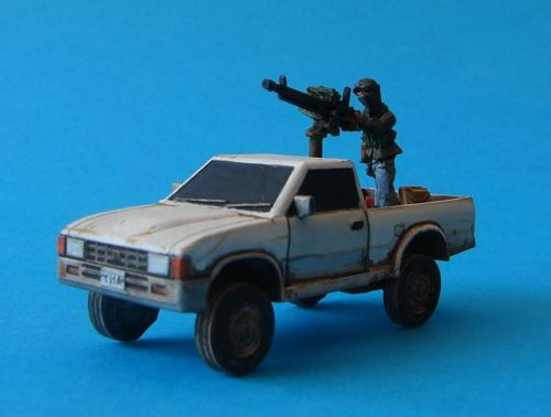 VCV01-ID Generic 4x4 Technical with road wheels with Insurgent Gunner and D