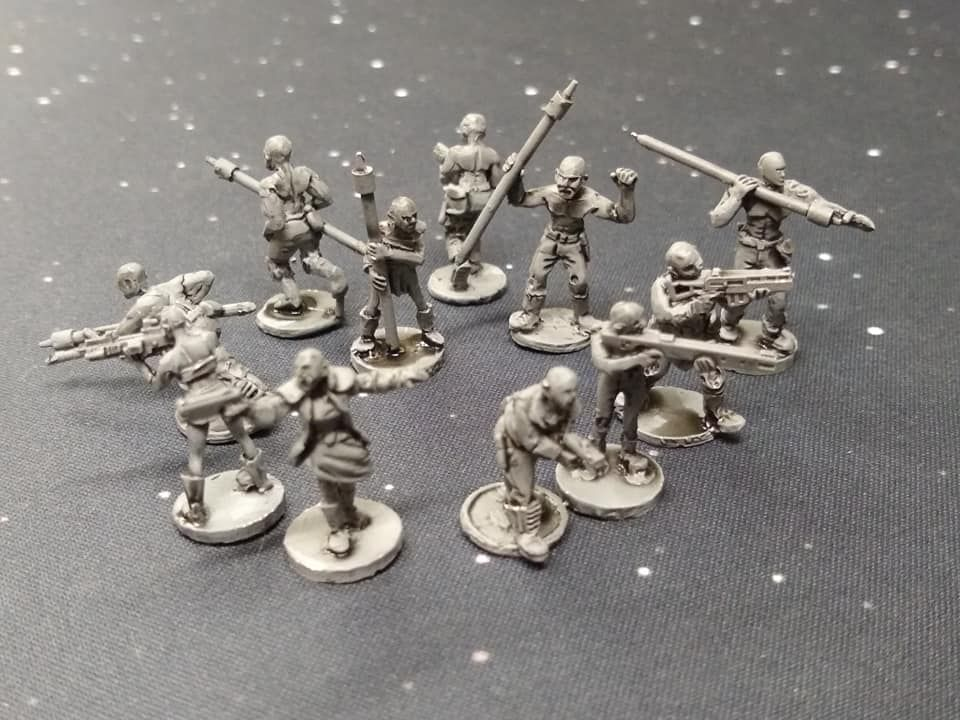 DF02 10x Post Apoc Warriors with shaved heads with mixed weapons - Army Bui