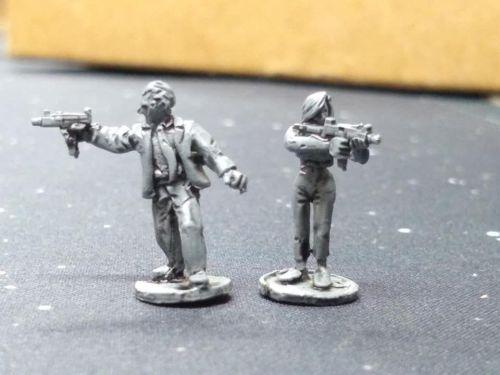 SRV24 Survivours/Insurgent/Criminal SPIES/ Secret Agents with UZI SMG