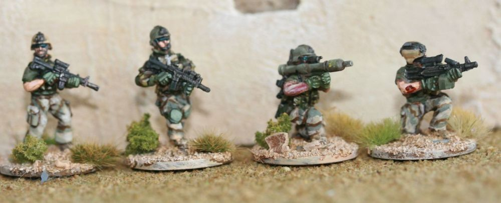 RNA04 Modern Dutch Army C7 , C8, SAW  and panzerfaust
