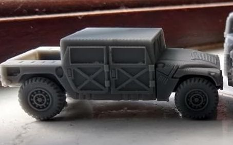 VMUS06b HMMWV Early Hard top version