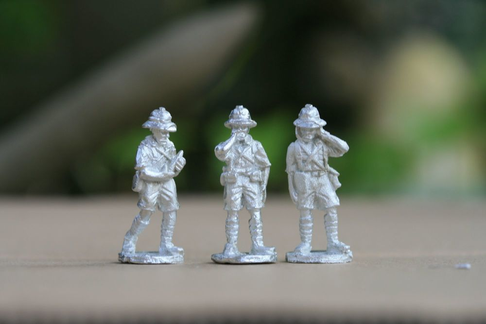 FT07 Tropic French Gun Crew standing (one miscast face)