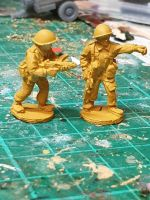 ECB06 Early Cold War British NCO with EM2 rifle and Sterling SMG and bare helmets