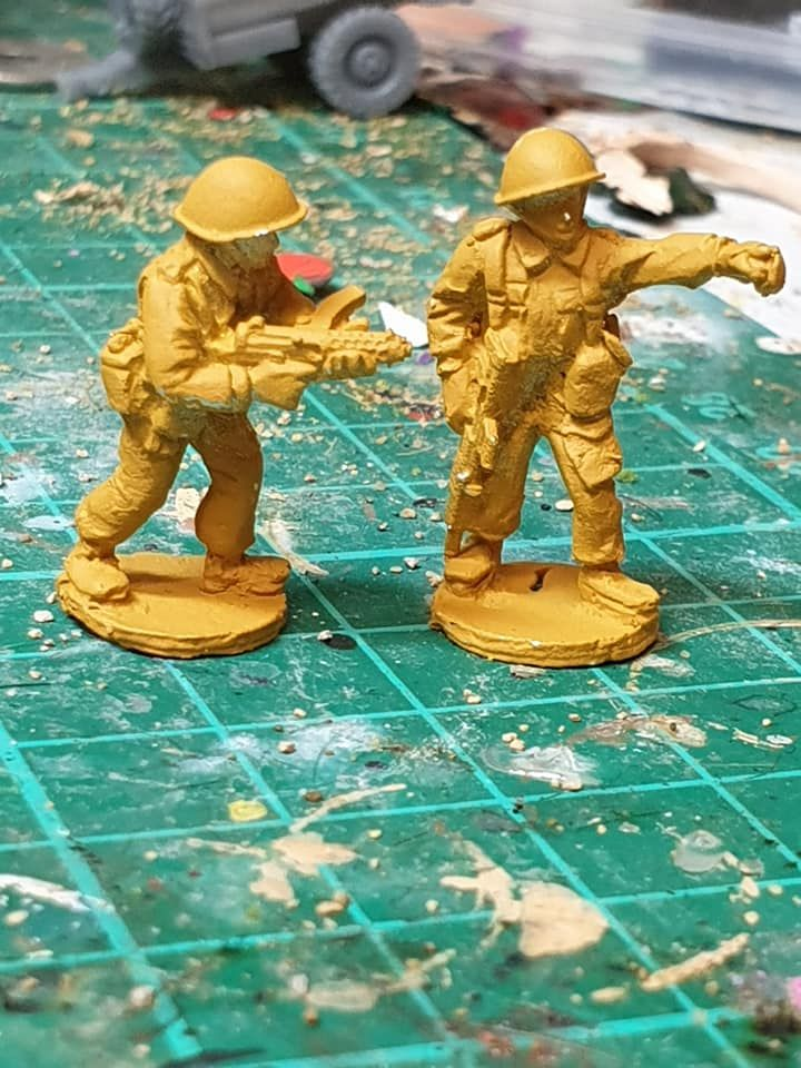 ECB06 Early Cold War British NCO with EM2 rifle and Sterling SMG and bare h