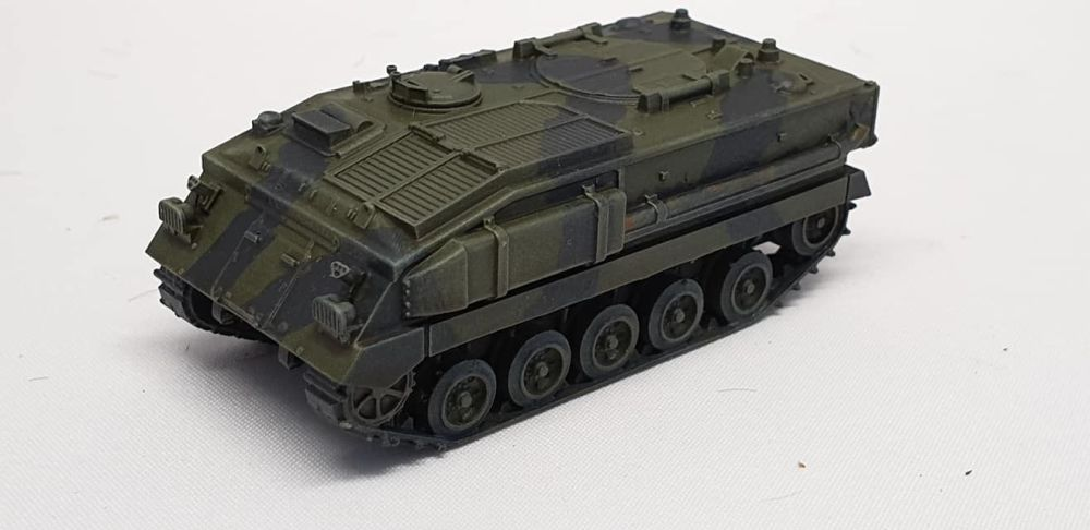 VBA02B FV432 basic version with MUD FLAPS (British Army)