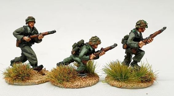 LHR07 PanzerLehr Rifleman Advancing set B