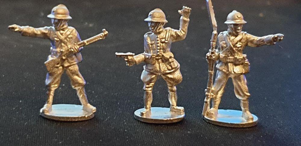 THA08 Thai Officers
