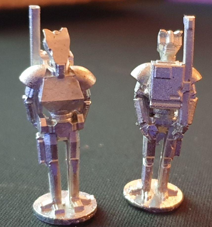 ROT03 Combat Skinnies standing