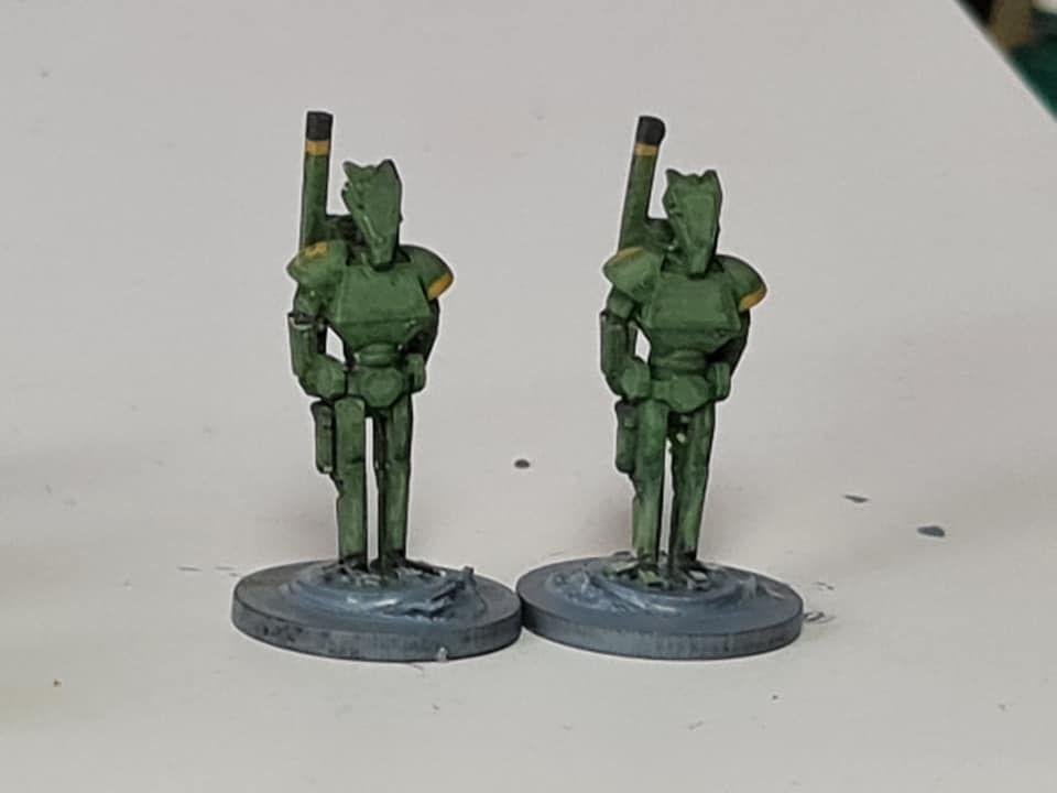 ROT04 Combat Skinnies standing
