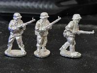 BRM02 Brandenburg riflemen adavancing