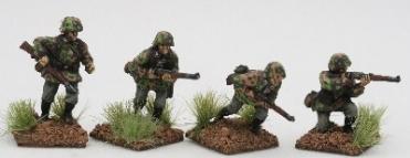SSE03 Early SS Riflemen Advancing under fire in Type1 smocks