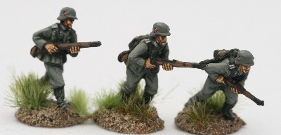 M36A01 German Infantry in M36 uniform and A frame K98 advancing