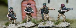 BAV06 Brit Army in assault Vests with Berets