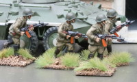 CWR01 Soviet Riflemen in Y strap webbing with Ak74s