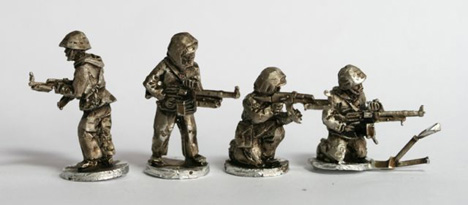 CWR11 Soviet Riflemen with camo suits with LMGs