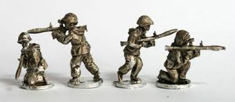 CWR12 Soviet Riflemen with camo suits with RPGs