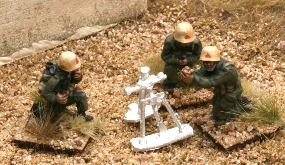 RG10 Iraqi Army 82mm Mortar and Crew