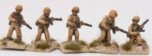 MEG01 Generic ME AK47 squad with M1 steel helmet
