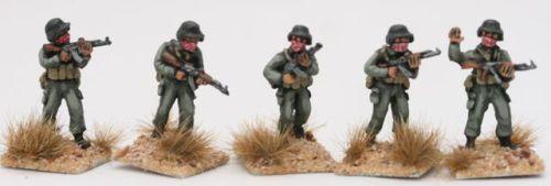 MEG04 Generic ME AK47 squad with K-pots