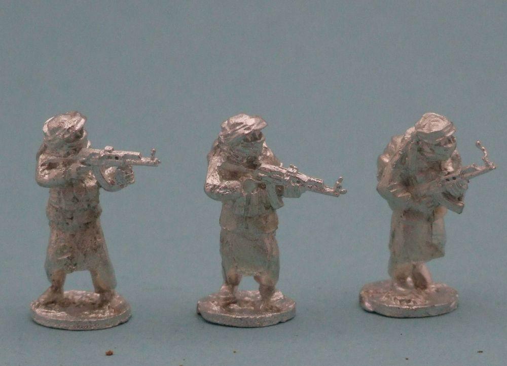 TAL23 Tier 1 Talib with AK47s standing skirmishing set B