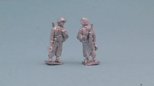 LTD13 WW2 Early Panzer Lehr test figure smoking a cigarette with Mp40 and M