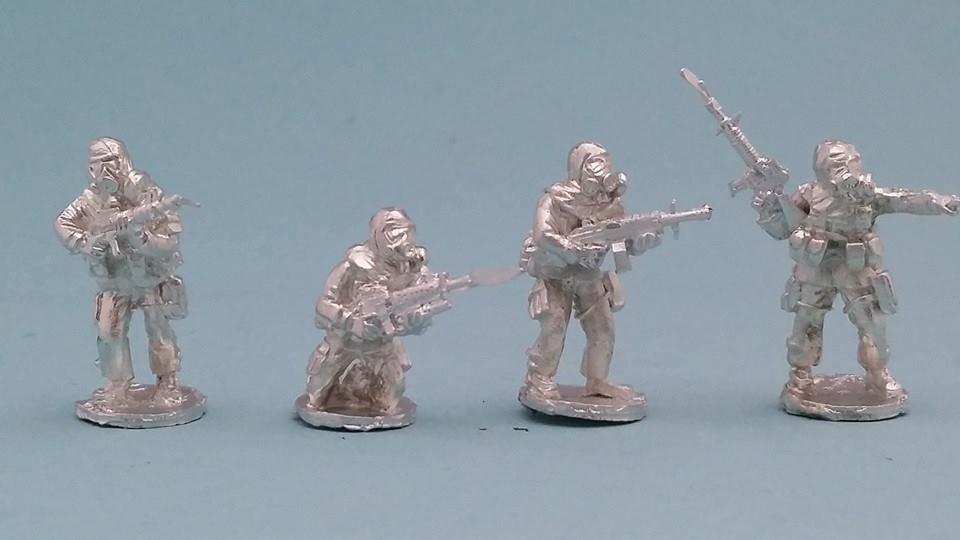 MOP08 US Infantry in MOPP suits with Gasmask no helmet fireteam