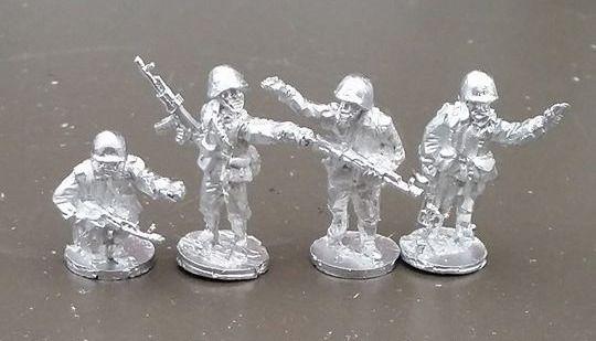 CWR17 Soviet Riflemen in Y strap webbing NCO's