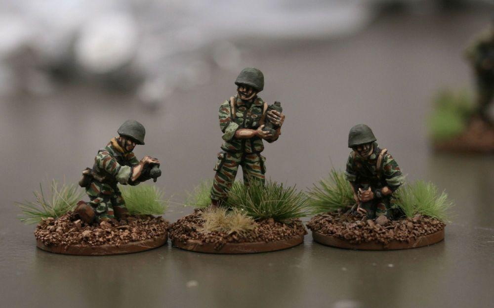FP07 French Mortar Crew NO GUN